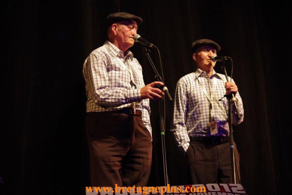 du 1er au 17 novembre, se déroulait l 'édition 2012 du festival YAOUANK . Ce samedi 17 , les bénévoles organisaient, le plus grand Fest Noz de Bretagne.