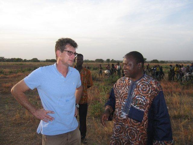 Ils ont tous participé à la réussite de cette opération. Qu'ils soient en France ou au Togo, dans les airs ou à terre. Nous les remercions.