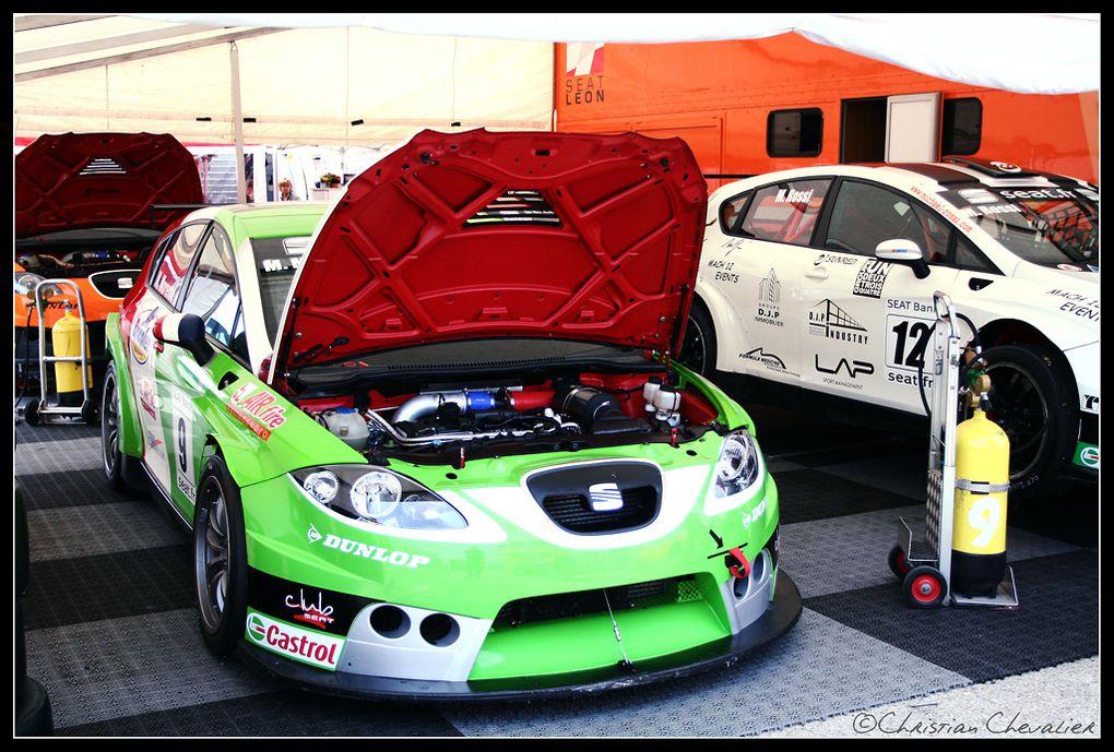 Une journée sur le circuit de Lédenon dans le Gard. Au menu, GT, Coupe Porsche, Seat Cup.....