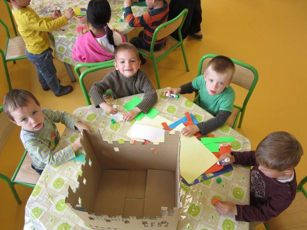 Au programme des vacances de printemps: fabrication de châteaux, sortie à Saint Jean de Monts et au château de Tiffauges...