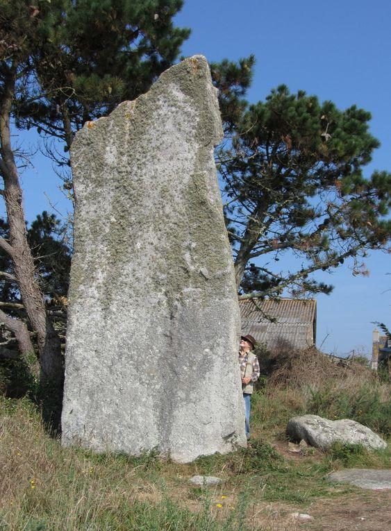 Quelques souvenirs de notre voyage annuel, cette année, le Finistère sud : dolmens, mehirs, sites archéologiques. Septembre 2015
