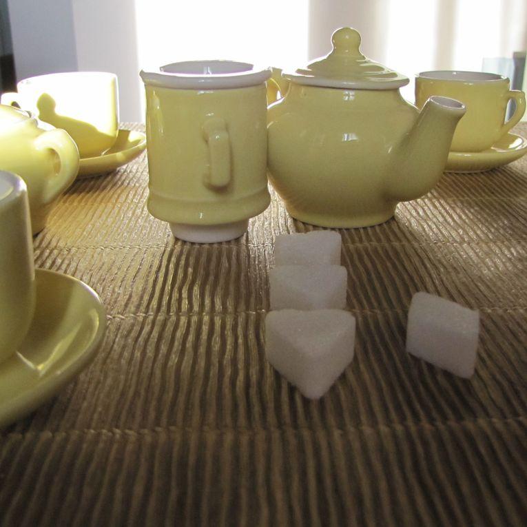 Jolie sélection d'objets et matières de déco Brocante à retrouver sur www.rocamboles.com