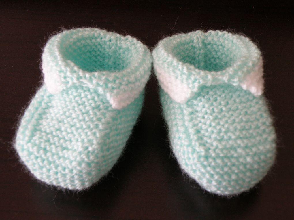 Voici toutes mes créations de l'année 2012.La plus part de mes créations sont en vente ici :http://mes-tricots-et-astuces.over-blog.com/pages/Creations_en_vente-7636207.htmlN'hésitez pas à me contacter pour tout renseignement.