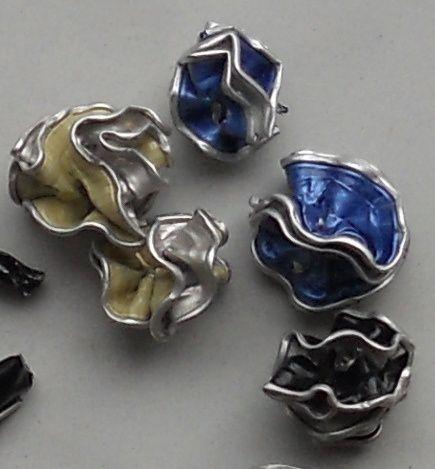 du bijoux de sacs ou de portable aux boucles d'oreilles classiques...