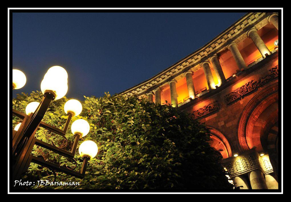 Album - 001-La Place de la République By Night