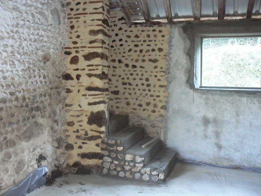 Création d un plafond ba 13 avec isolation en IBR 240mn,doublage des murs façon demi Stil ossature métal avec isolant semi rigide.
