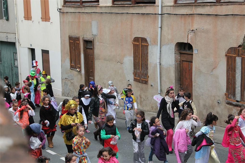 Défilé dans les rues de Graulhet