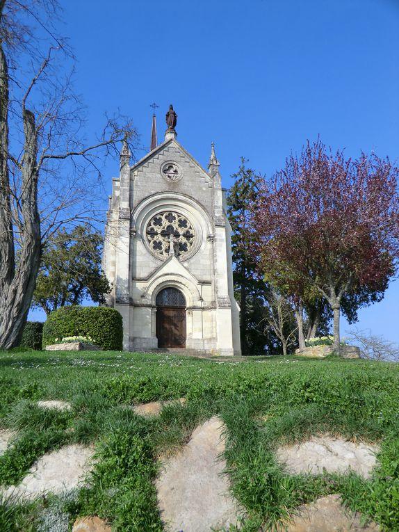 En rejoignant le Loir,nous nous retrouvons vers la Vallée où domine une chapelle....