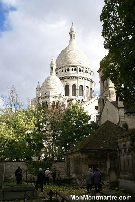 Album  F - Saint Pierre de Montmartre et son  Calvaire