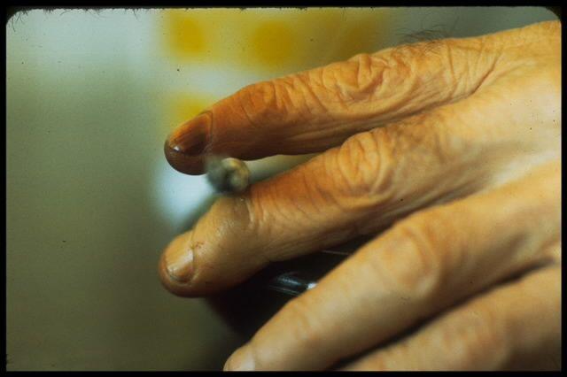 Les différentes astuces et remèdes de grands-mères illustrés dans cet album.Les remèdes d'autrefois sont souvent très efficaces et il est important de ne pas les oublier.Ecoutez vos grands-mères.