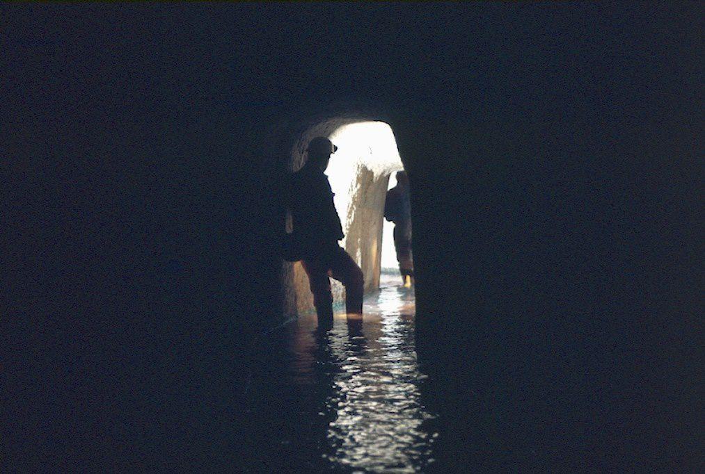 Etude de la mine de cuivre exploitée au XIXe siècle à Longeville-lès-Saint-Avold (accès interdit, espace protégé).Les photos, prises entre 1977 et 1981, sont de Serge Kottmann, naturaliste et spéléologue.