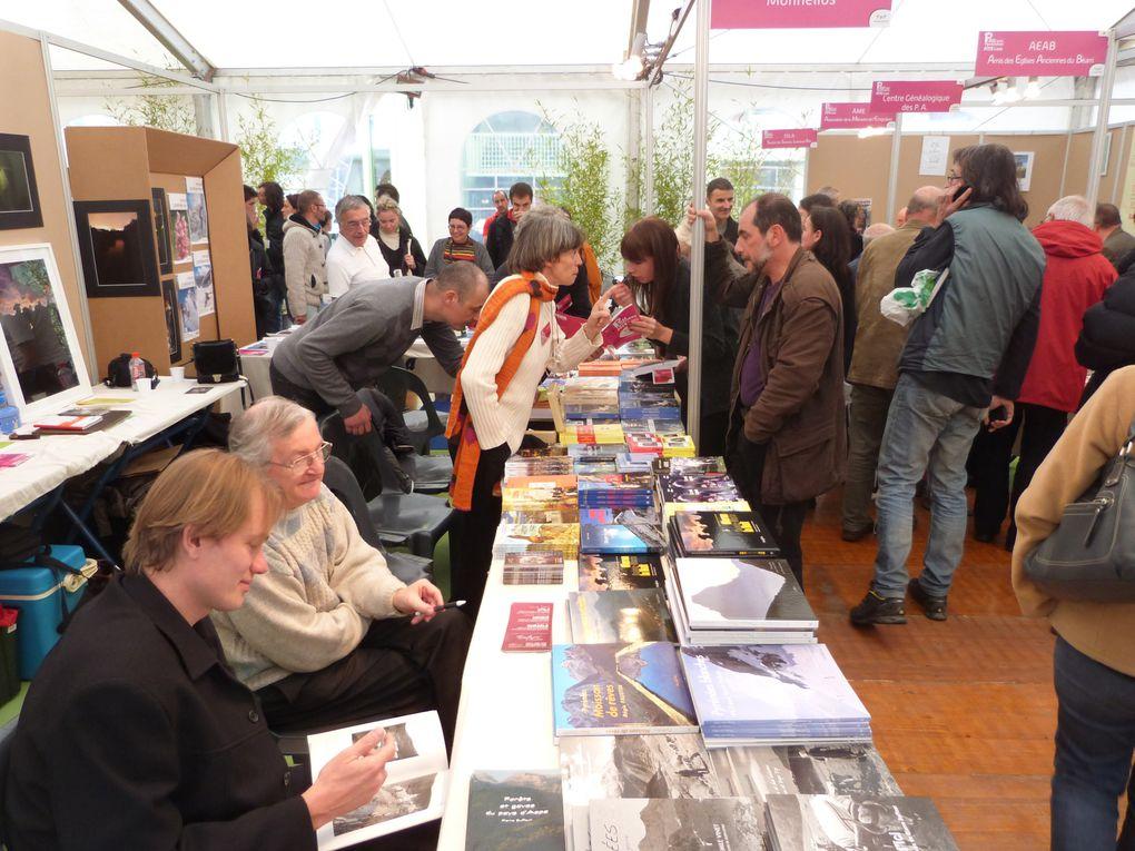Salon du livre de Pau  les 23,24 et 25 novembre 2012 à la Médiathèque .