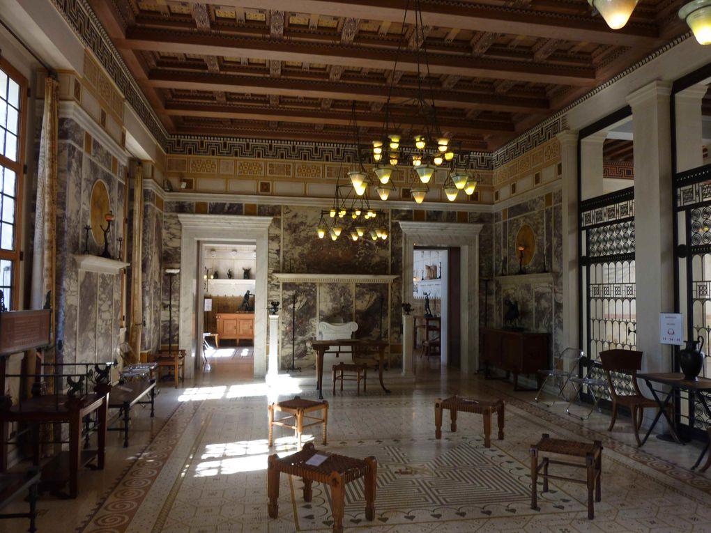 Villa construite au début du XXème siècle sur le modèle des maisons nobles de l'île de Délos au IIème siècle, pendant la Grèce antique.
