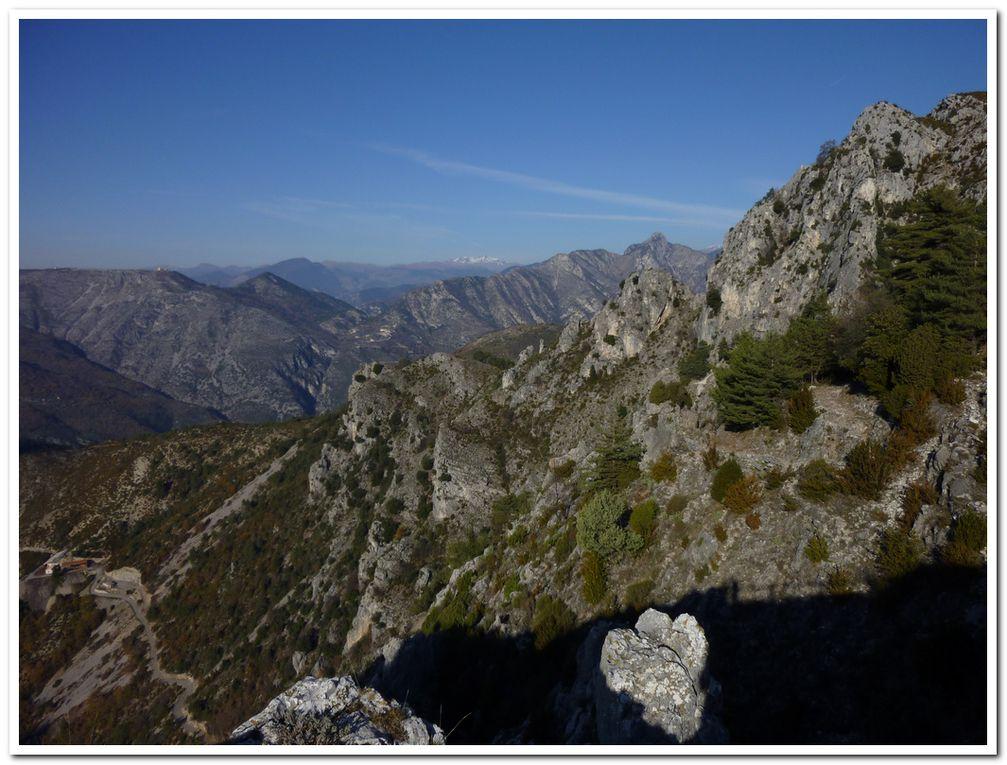 Le pays de la Reine Jeanne! Des ruines magnifiques perchées sur les vallées du Comté niçois...