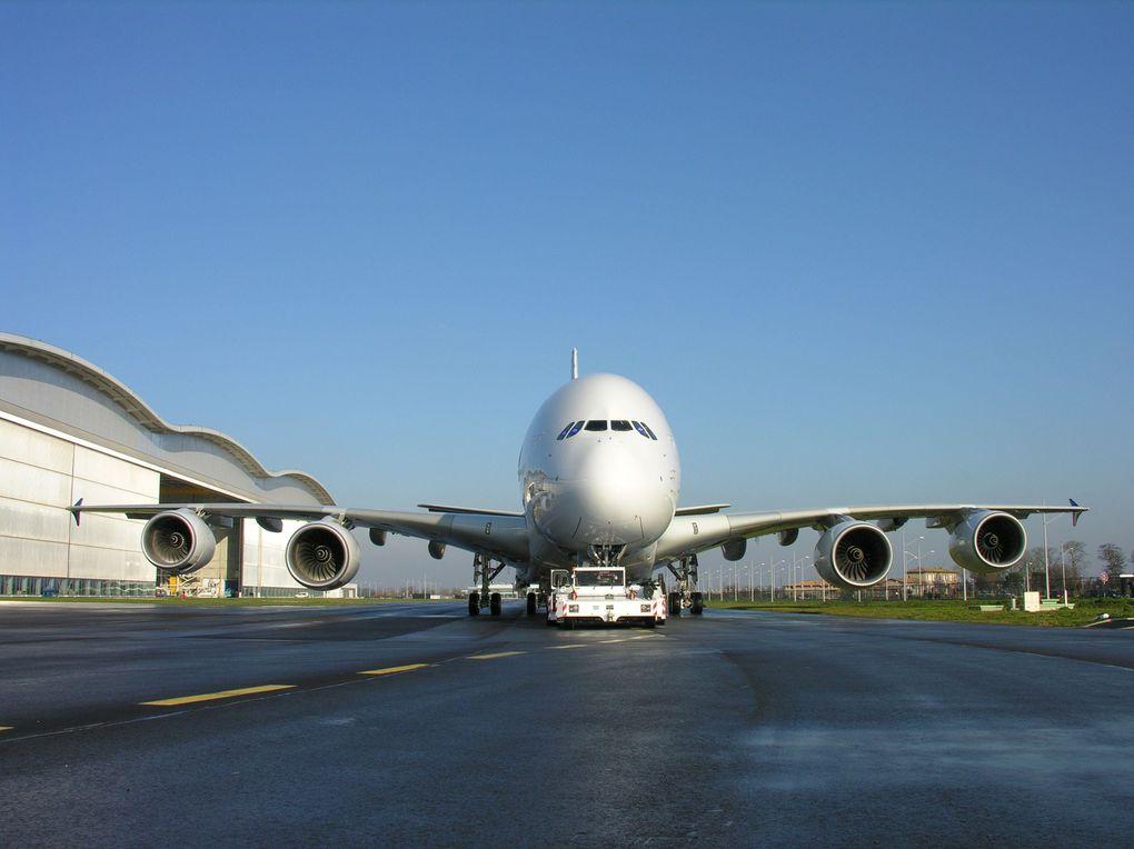 Dans le hangar de l'A380.