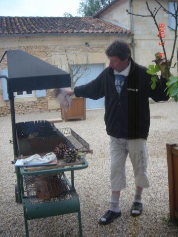 Tellement bien la balade.Vassili ,Marion et Yvan sont venus nous rejoindre.Et puis Sabine aussi jusqu'à port d'Envaux.une marche malgré tout un peu rapide pour les chtiaux!!!mais balade tranquille:pensez vous?sur les bords de Charente...