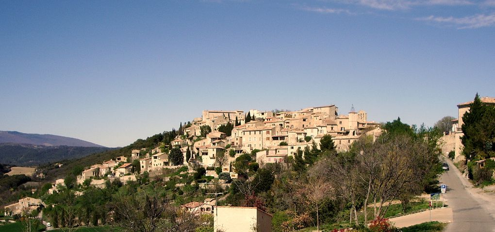 une jolie balade dans des paysages et des villages très nature.