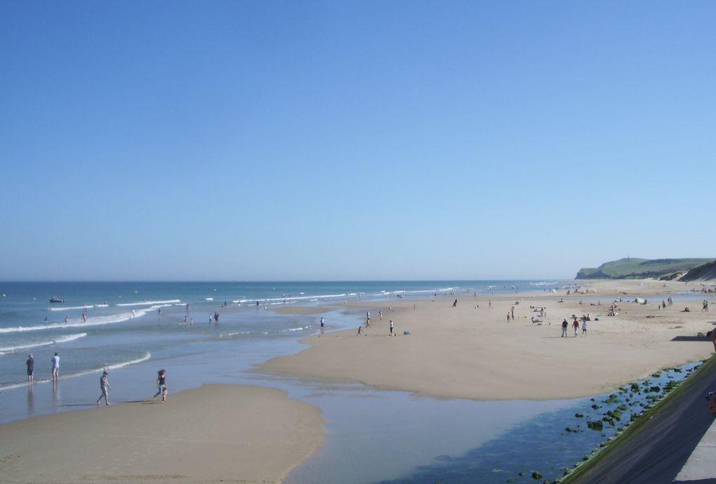 changement de décor pour ce 1er août 2013, blus belle journée de l'année. 35° en métropole et 30/32° sur la côte il y avait du monde mais on respire, il y a de la place. c'est bien mieux que la côte d'azur !!