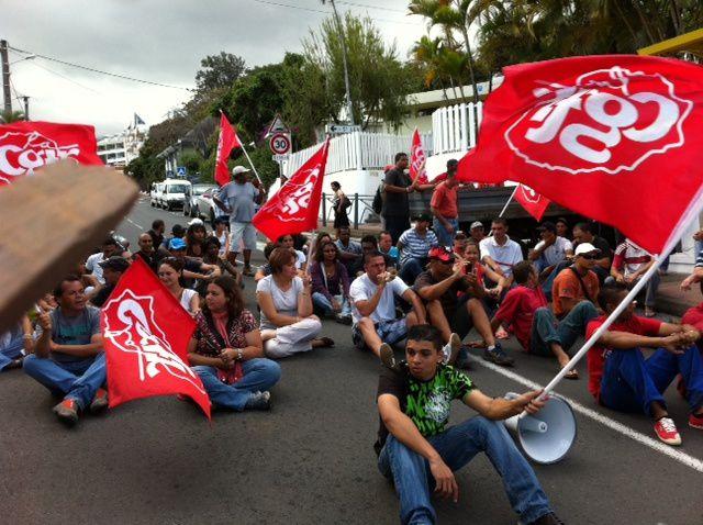 La grève Coopératives des AvironsLe groupe Coopératives des Avirons est constitué d'une dizaine de société. Tout a été fait par l'employeur pour découper artificiellement des sociétés afin d'échapper aux seuils légaux pour mettre