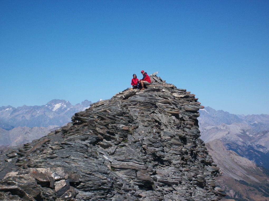 IMAGES/PHOTOS Itinéraires de randonnée en été dans le massif du QUEYRAS et dans            l'EMRUNAIS