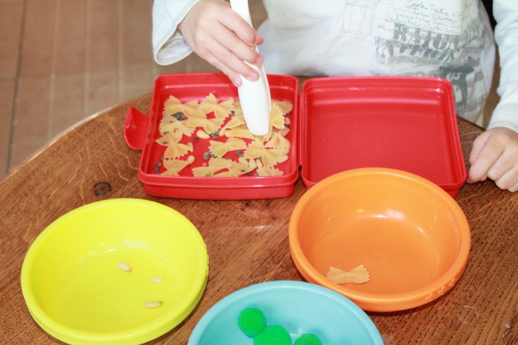 Lorsque l'on fait du Montessori à la maison on apprend à détourner  nos objets usuels...ceux du quotidien...et ça marche...