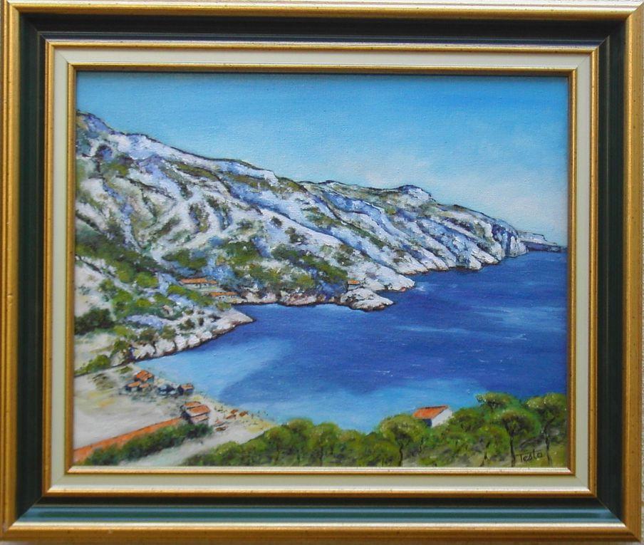 Tableaux de Marseille, avec ses quartiers, ses calanques et ses nuances de bleu dans son ciel et la mer.