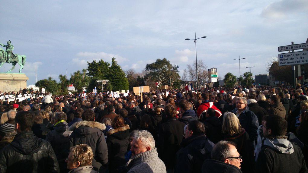 Manifestation Cherbourgeoise pour la liberté d'expression en hommage à Charlie Hebdo.
