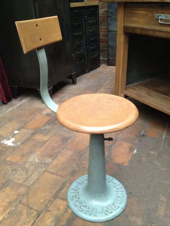 mobilier industriel, meubles de métiers, objets de décoration et de curiosité...