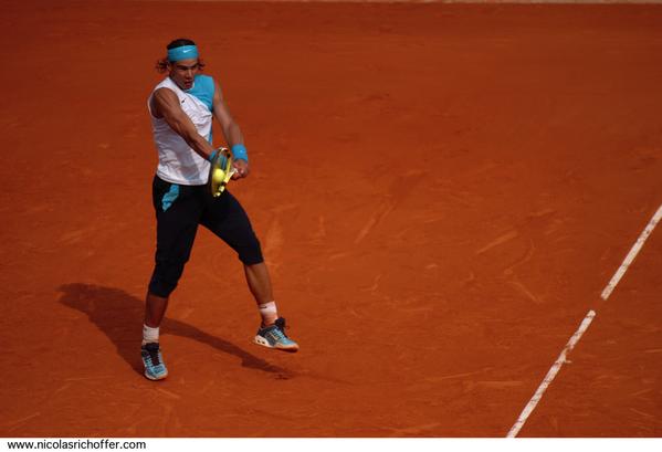 Un best-of des photos que j'ai réalisées de Rafael Nadal durant Roland-Garros 2007. Ces clichés ont été pris au cours de trois matches, le troisième tour, le huitième et le quart de finale. Je vous les présente sans aucun recadrage… et sur