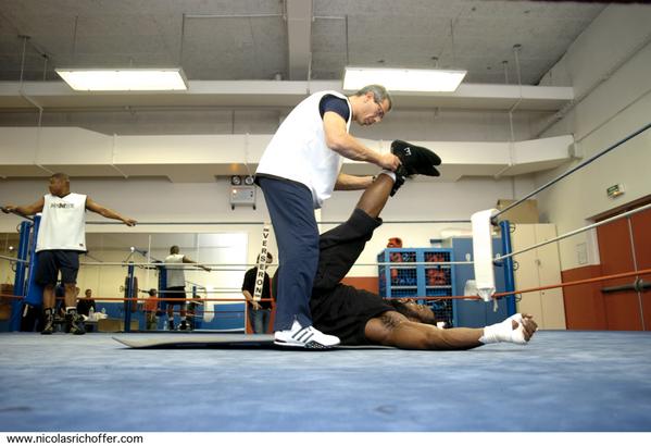 Jean-Marc Mormeck à l'entraînement, deux jours avant sa revanche gagnée le 17 mars 2007 à Levallois face au jamaïcain O'Neil Bell.
