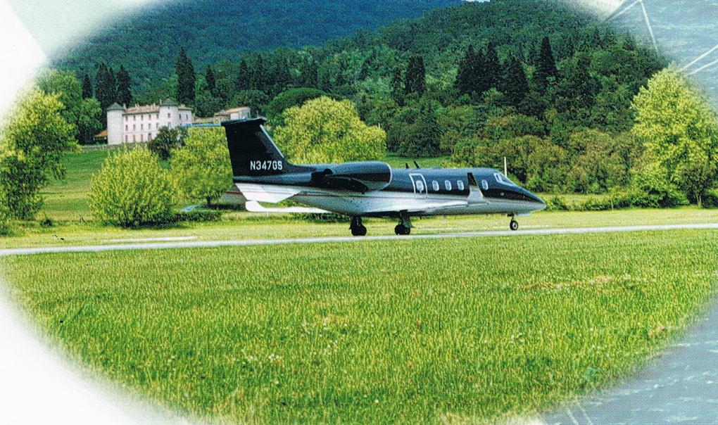 Pages de couverture 1 & 4 - et pages internes de la revue aéroportuaire ESCALE - Edition BOREL 1997