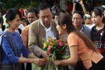 La opositora birmana Aung San Suu Kyi viaja por primera vez en ocho años