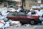 La tragédie des ordures à Naples, des montagnes d'immondices engloutissent la ville