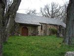 La chapelle Saint-Pierre et sa source (Caudebronde, Aude)