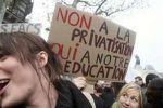 Le Parti communiste français propose 12 mesures d'urgence pour les jeunes
