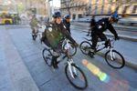 Manuel Valls veut plus de policiers sur le terrain