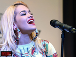 "Rita Ora reprend ""What Makes You Beautiful"" des 1D (music + lyrics)"