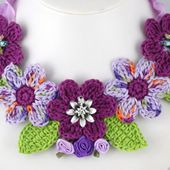 Several necklace models made of crochet Fashion