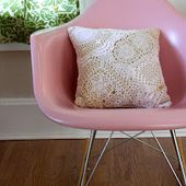 Smile and Wave: Doily Pillow Tutorial