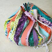 Freshly Pieced Modern Quilts: 12 Gifts of Christmas: Lego Storage Bag/Playmat