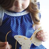 [dandee]: Sewing Cards | A Toddler Craft.