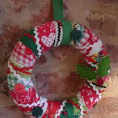 i'm a ginger monkey: A Christmas Wreath Tutorial