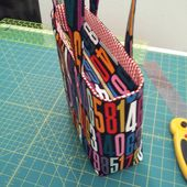 Tutorial: Add a Recessed Zipper to a Tote