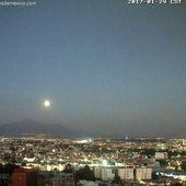 Étrange lumière vive dans le ciel mexicain proche d'un volcan le 24/01/2017 (video) - 2012nouvelmorguemondial.over-blog.com