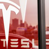 Tesla to raise $1 billion through stock and loan offerings