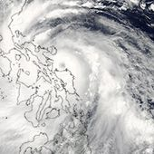 Typhoon Rammasun Drenches Philippines : Natural Hazards