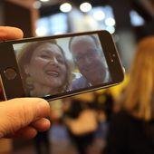 François Hollande et Audrey Azoulay à Livre Paris : la routine et un selfie