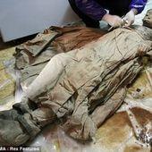 Une mystérieuse momie âgée de 300 ans en parfait état de préservation rend perplexe les archéologues