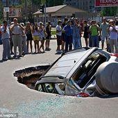 RUSSIE : Epidémie de sinkholes dans la ville russe de Samara - MOINS de BIENS PLUS de LIENS