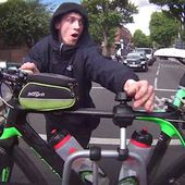 Shocking moment would-be thief tries to steal a bike from back of car